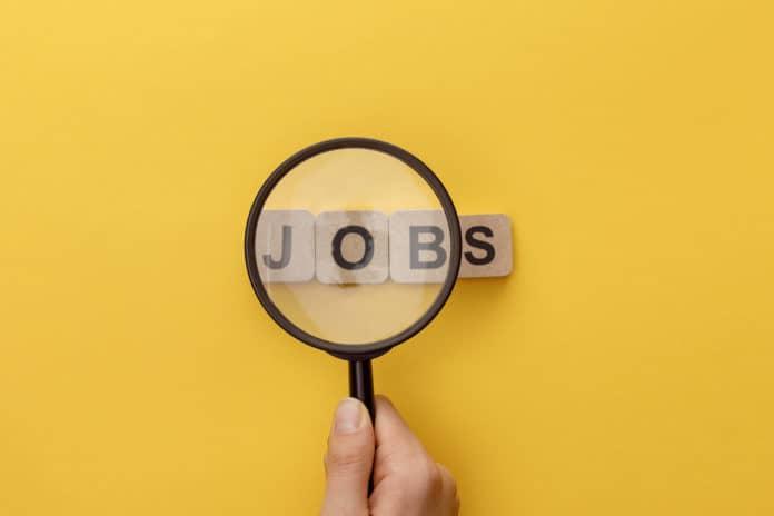 lente d'ingrandimento sulla parola jobs