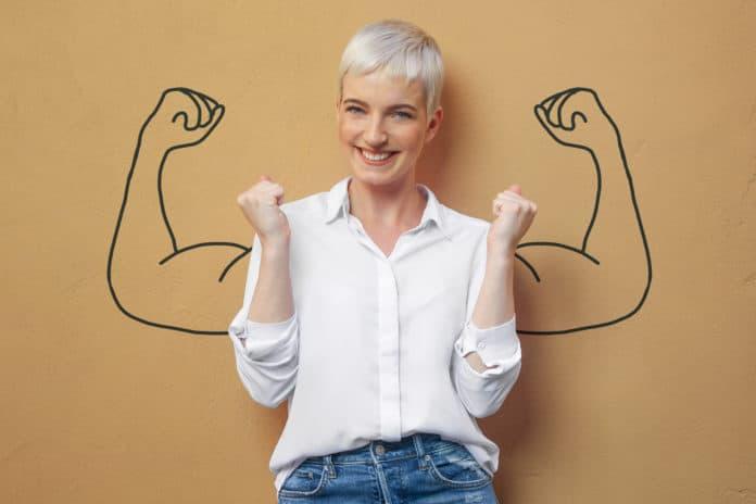 donna con i muscoli